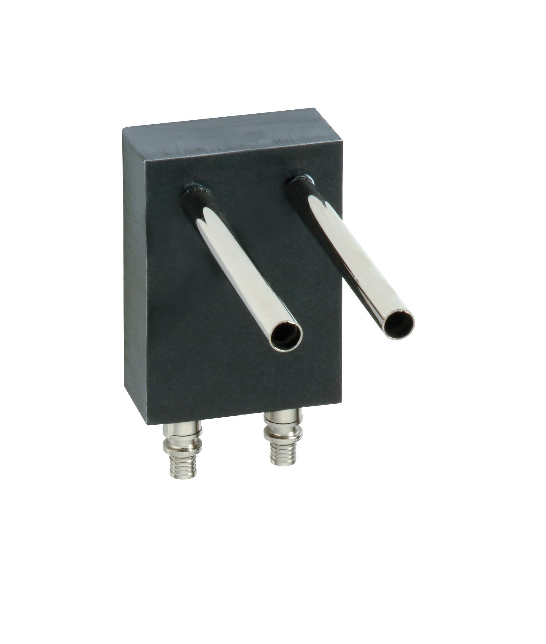 Блок соединения с отопительным прибором, двойной